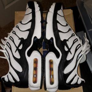 Nike Shoes - NIKE AIR MAX TN SIZE 6.5Y 8 WOMEN